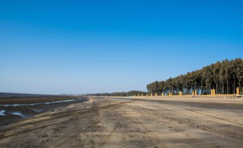 Places to Visit Daman - Jampore Beach