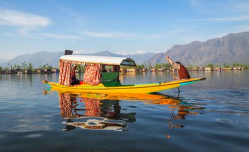 Shikara boat ride on dal lake