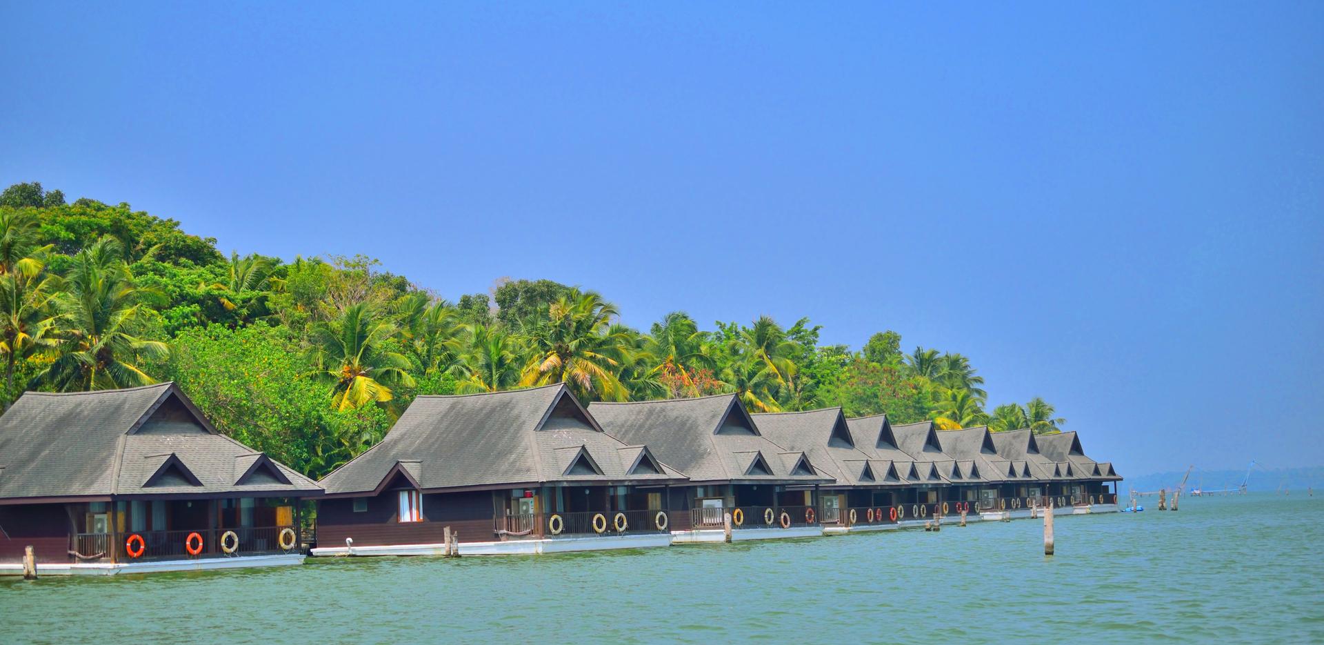 Floating Cottages Of Ashtamudi