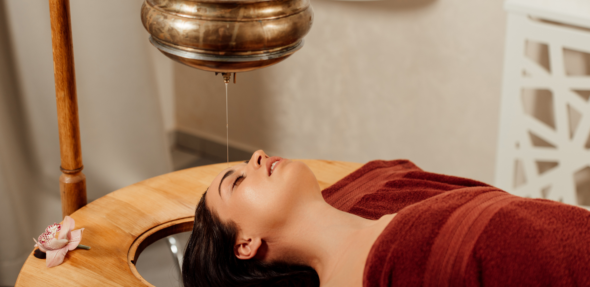 Shirodhara Ayurveda Oil Massage