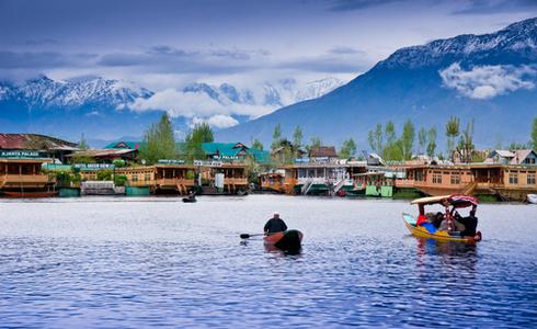 Places to Visit Srinagar - Dal Lake